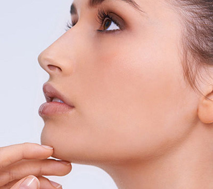defining the jawline with dermal fillers