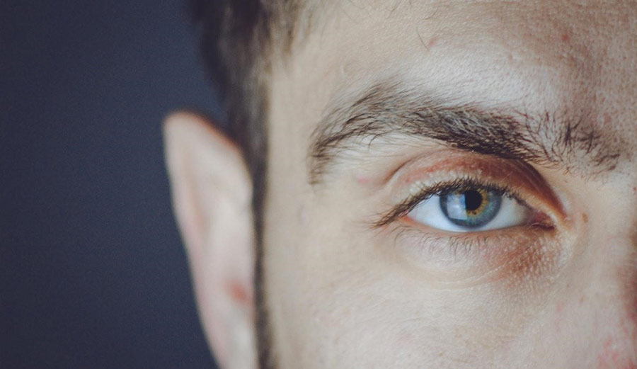 Non-surgical eyelift has many benefits including quick recovery and low cost.